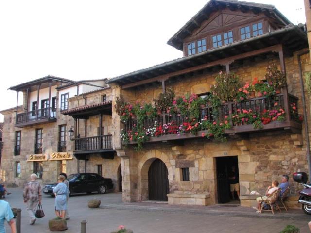 Cantabria. Sitios molones. - Página 6 Pueblo10