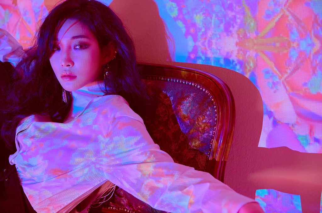 "Chungha single digital "" stay tonigh"" Chung-10"