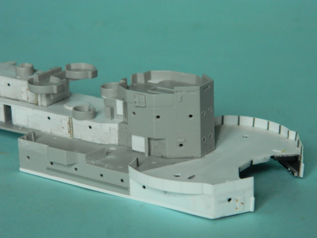 HMS Abercrombie Monitor - 1/350 - Trumpeter. Suite. 341