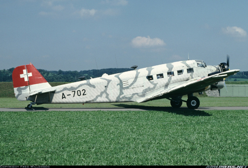 """Ju 52. Revell 1/48. """"Ende"""". - Page 2 4d11"""