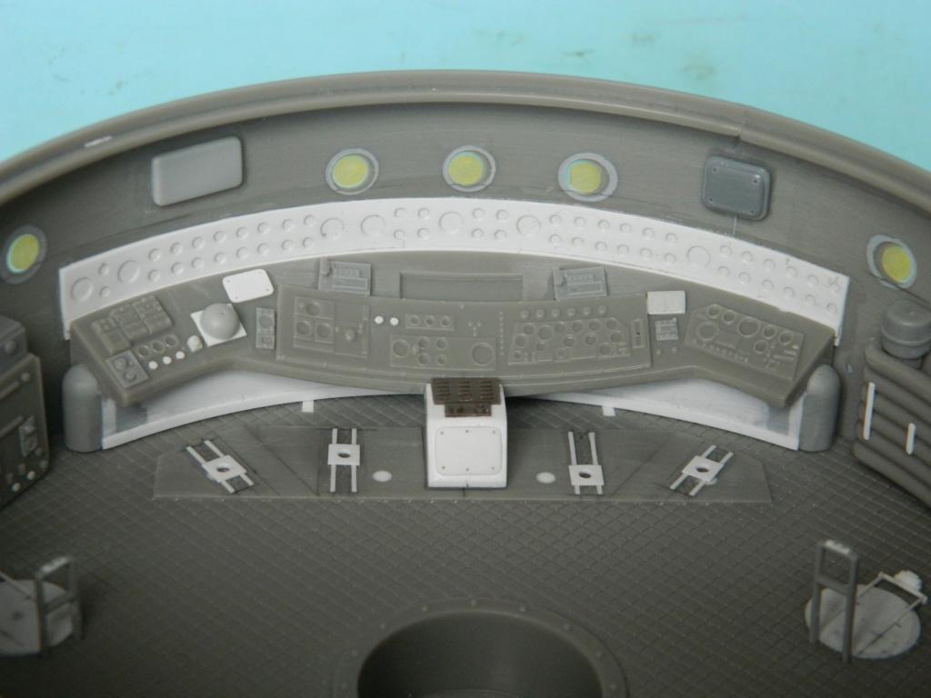 HAUNEBU II (civil) - Squadron Model  1/72. Fini . 516