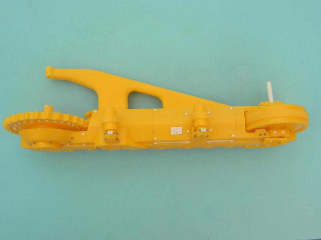 "BULLDOZER CATERPILLAR DH-8. AMT 1/25. "" Fini "" . 5618"