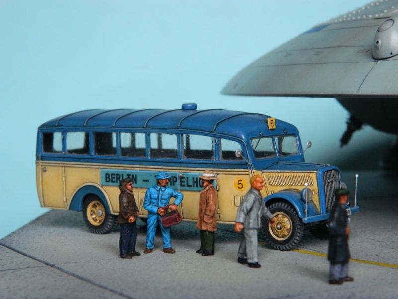 HAUNEBU II (civil) - Squadron Model  1/72. Fini . - Page 3 5712