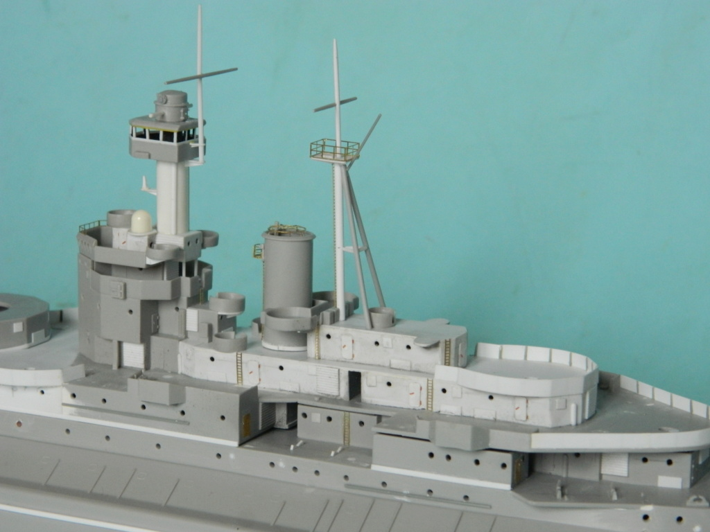 HMS Abercrombie Monitor - 1/350 - Trumpeter. Suite. 835