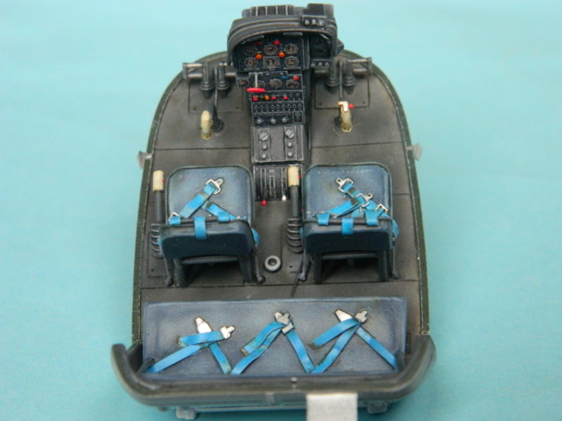 "ALOUETTE II MARINE. Revell 1/32. ""Assemblage , suite"". - Page 2 8417"