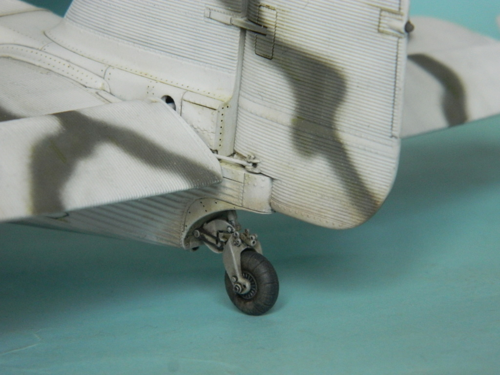 "Ju 52. Revell 1/48. ""Ende"". - Page 6 8617"