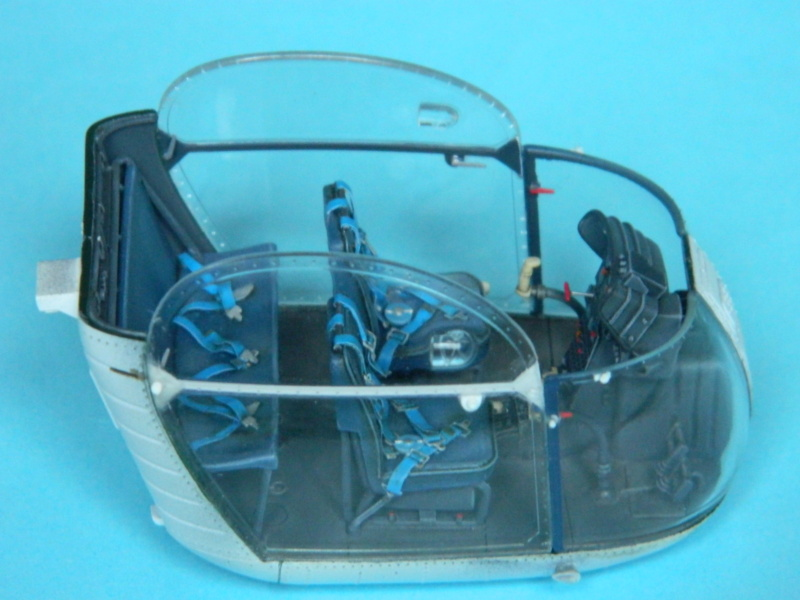"ALOUETTE II MARINE. Revell 1/32. ""Assemblage , suite"". - Page 2 8817"