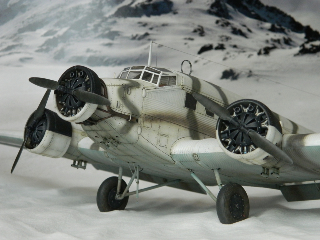 "Ju 52. Revell 1/48. ""Ende"". - Page 6 8818"