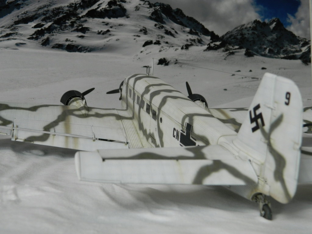 "Ju 52. Revell 1/48. ""Ende"". - Page 6 9417"