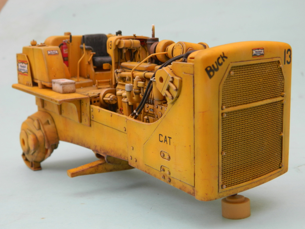 "BULLDOZER CATERPILLAR DH-8. AMT 1/25. ""Peinture du châssis"" . - Page 2 9515"