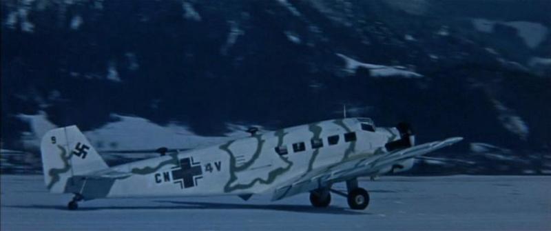"Ju 52. Revell 1/48. ""Ende"". - Page 2 Ju52-310"