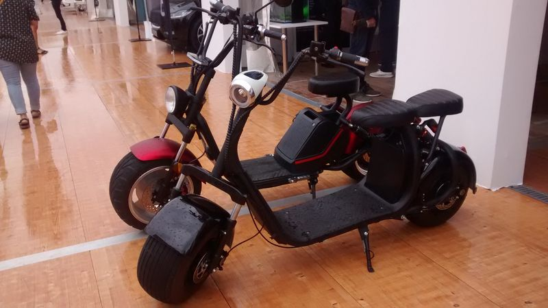 WE 20 au 24 septembre salon de la mobilité durable au port de Saint-Tropez Scoote10