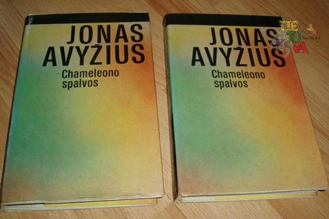 Jonas Avyžius Sodybų tuštėjimo metas, Kaimas kryžkelėje, Chameleono spalvos ir kitos knygos Image023