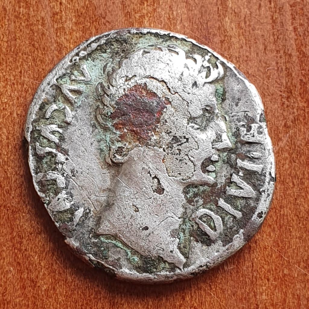 Denario forrado de Augusto. IMP X. Diana con perro. Lyon 20200317