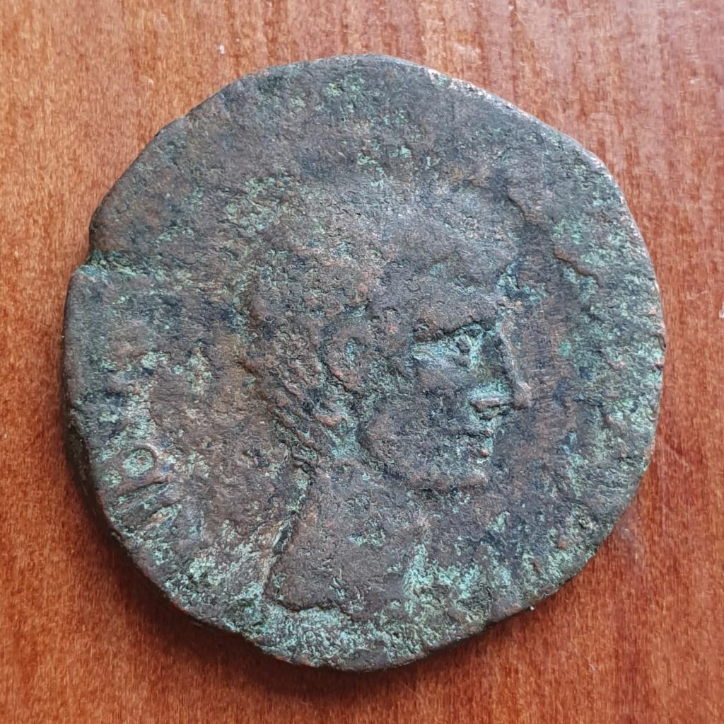 As de Augusto. L SVRDINVS III VIR A A A F F alrededor de S C. Roma. 20200366
