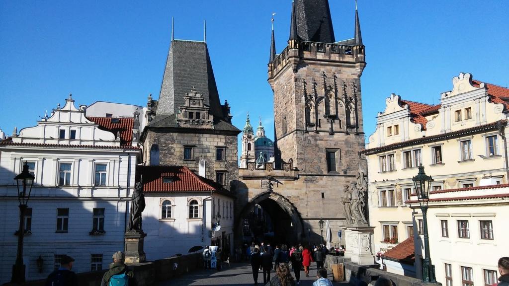 En visite à Prague pour l'impératrice Marie-Thérèse, l'empereur Joseph II, Marie-Thérèse Charlotte de France, le roi français Charles X et la famille française Rohan-Guémen,president France E. Macron. - Page 4 20181194