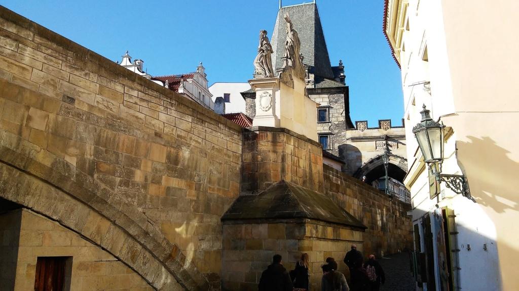 En visite à Prague pour l'impératrice Marie-Thérèse, l'empereur Joseph II, Marie-Thérèse Charlotte de France, le roi français Charles X et la famille française Rohan-Guémen,president France E. Macron. - Page 4 20181197