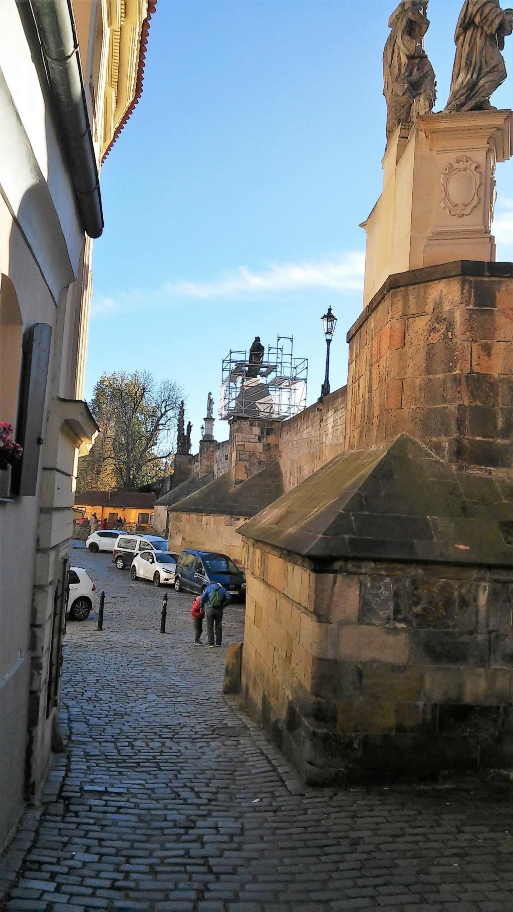 En visite à Prague pour l'impératrice Marie-Thérèse, l'empereur Joseph II, Marie-Thérèse Charlotte de France, le roi français Charles X et la famille française Rohan-Guémen,president France E. Macron. - Page 4 20181198