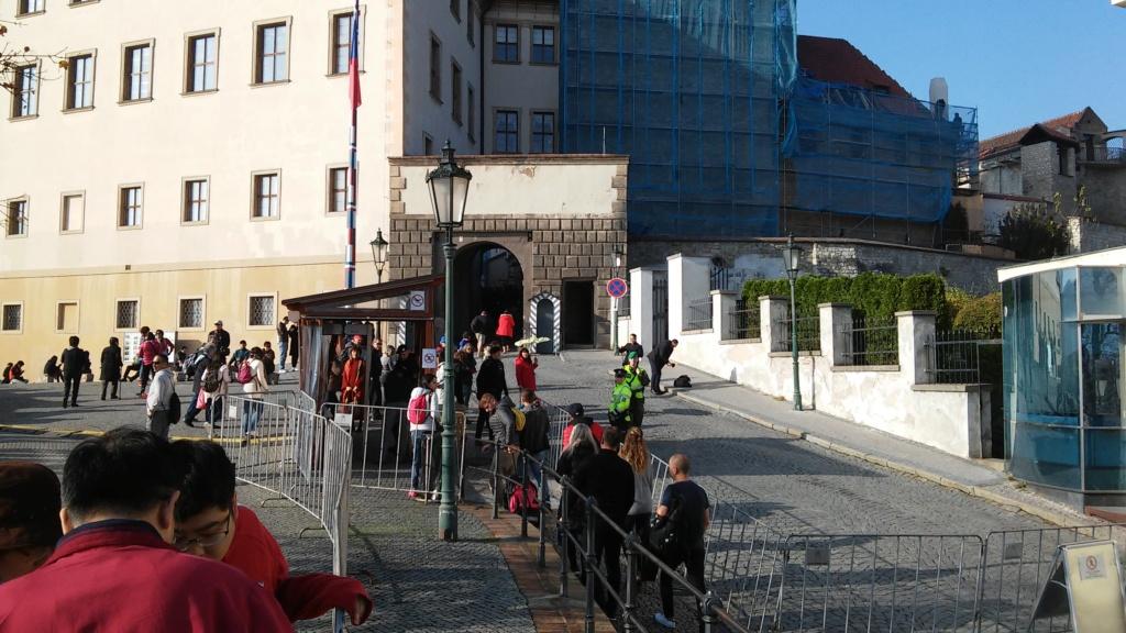 En visite à Prague pour l'impératrice Marie-Thérèse, l'empereur Joseph II, Marie-Thérèse Charlotte de France, le roi français Charles X et la famille française Rohan-Guémen,president France E. Macron. - Page 6 20181355