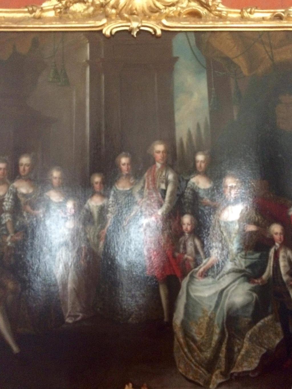 En visite à Prague pour l'impératrice Marie-Thérèse, l'empereur Joseph II, Marie-Thérèse Charlotte de France, le roi français Charles X et la famille française Rohan-Guémen,president France E. Macron. - Page 20 Img_1625