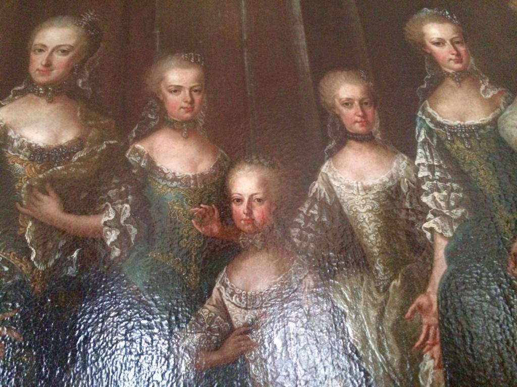 En visite à Prague pour l'impératrice Marie-Thérèse, l'empereur Joseph II, Marie-Thérèse Charlotte de France, le roi français Charles X et la famille française Rohan-Guémen,president France E. Macron. - Page 20 Img_1632