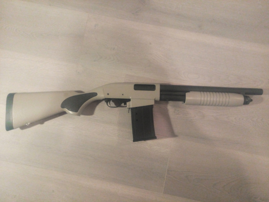 Remington à pompe custom de type S.B.S. (Short, Barrel, Shotgun) Img_2053
