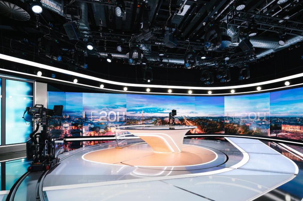 Nouveau plateau du JT de TF1 - 27 août 2018 Tf1pla11