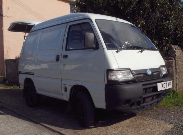 New Porter owner seeks other microvan owners to moan about previous owner's bodges  R0011012