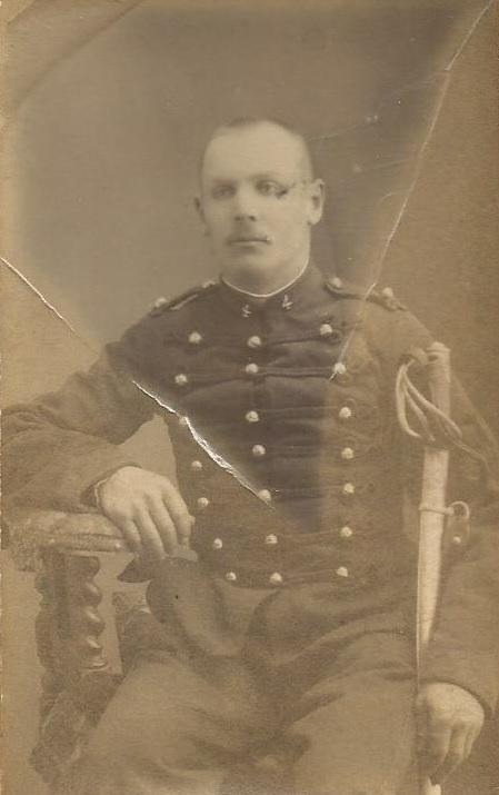 Quel est cet uniforme? Soldat11