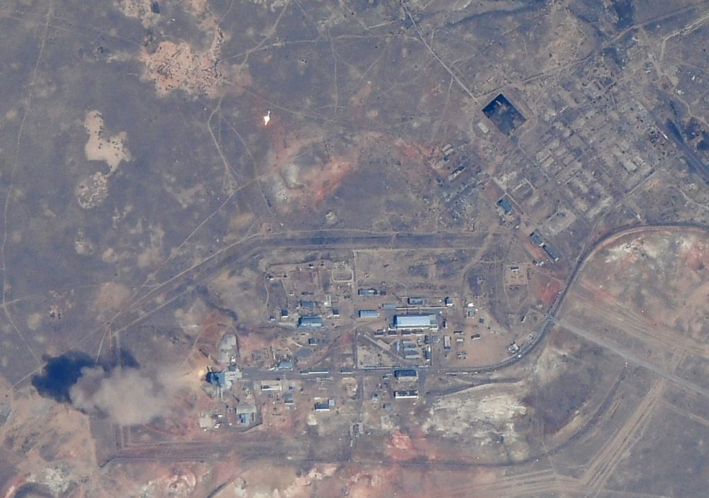 Russian Launch Vehicles and their Spacecraft: Thoughts & News - Page 24 Eyhrjo10