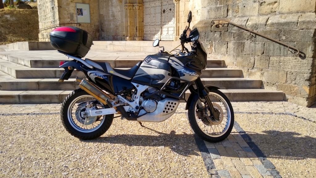 -Vends- Africa Twin RD07 A Img_2011