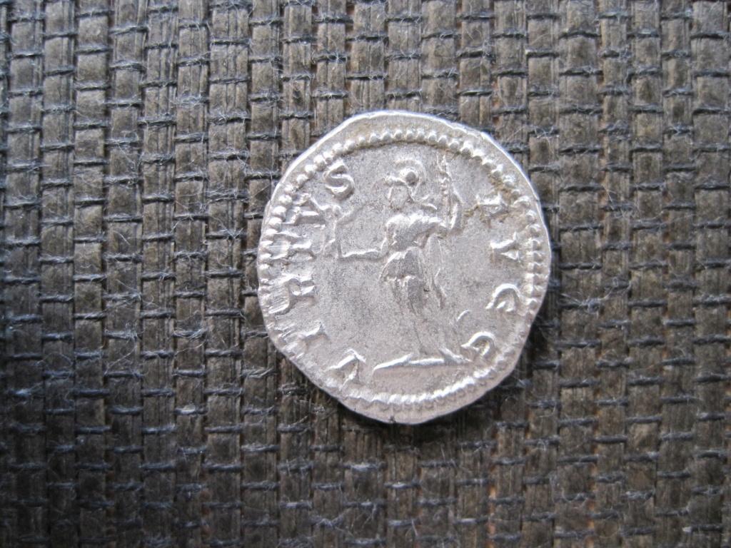 Denario de Caracalla. VIRTVS AVGG. Roma Img_5213