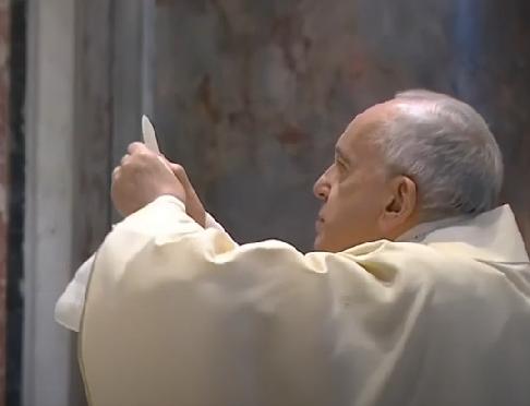 Messe quotidienne avec le pape François tous les jours en direct - Page 2 Aaaaa100