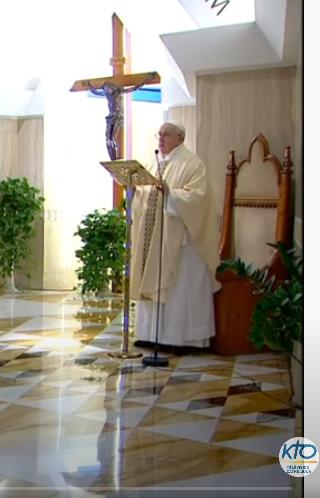 Messe quotidienne avec le pape François tous les jours en direct - Page 2 Aaaaaa32