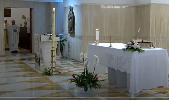 Messe quotidienne avec le pape François tous les jours en direct - Page 2 Aaaaaa85
