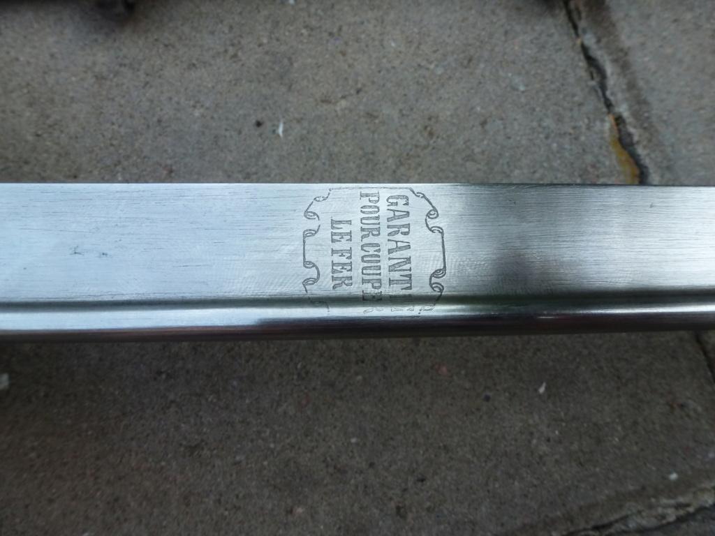 Le sabre est de fabrication belge. P1420114