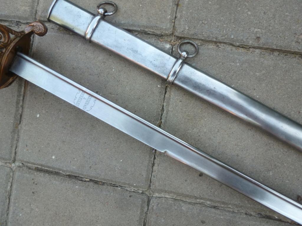 Le sabre est de fabrication belge. P1420118