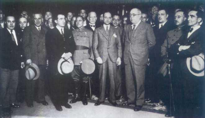 ¿Cuánto mide Francisco Franco? - Altura - Real height - medía - Página 11 14666910