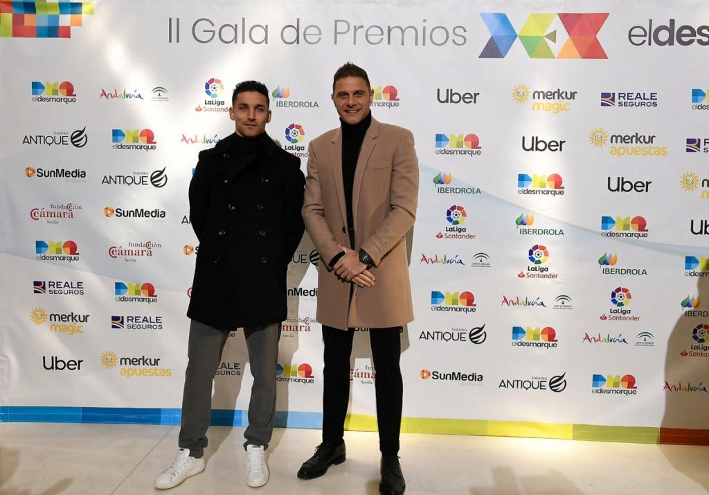 ¿Cuánto mide Joaquín Sánchez? (Futbolista) - Altura - Página 2 Dxbyjj10