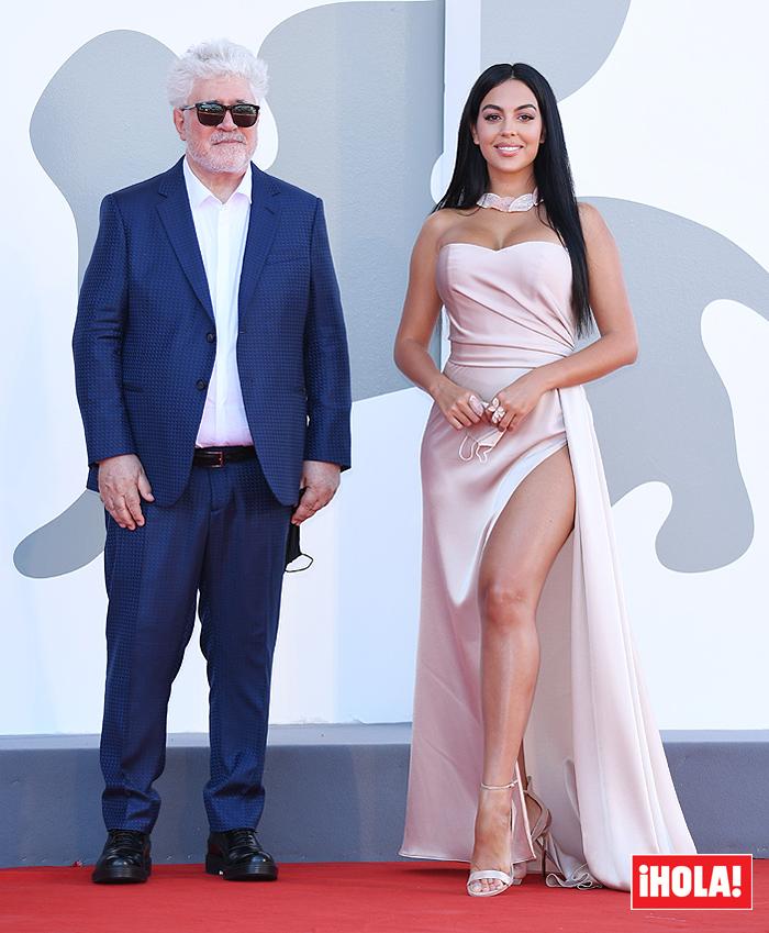 ¿Cuánto mide Georgina Rodríguez? - Altura - Real height - Página 2 Georgi10