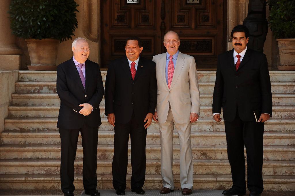 ¿Cuánto mide Hugo Chávez? - Altura - Real height - Página 2 Kingju10