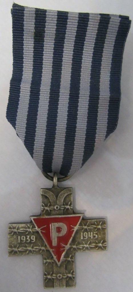 Croix D'Auschwitz Pologne 00a88010