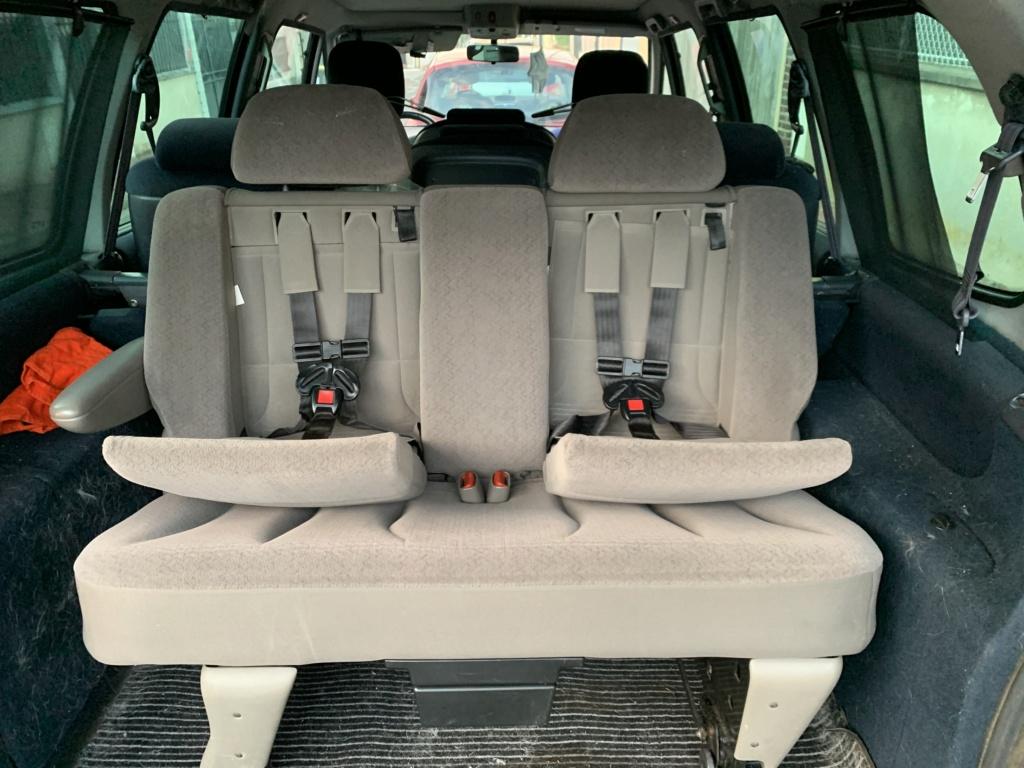 Banquette S4 avec sièges enfants intégrés  3f718e10
