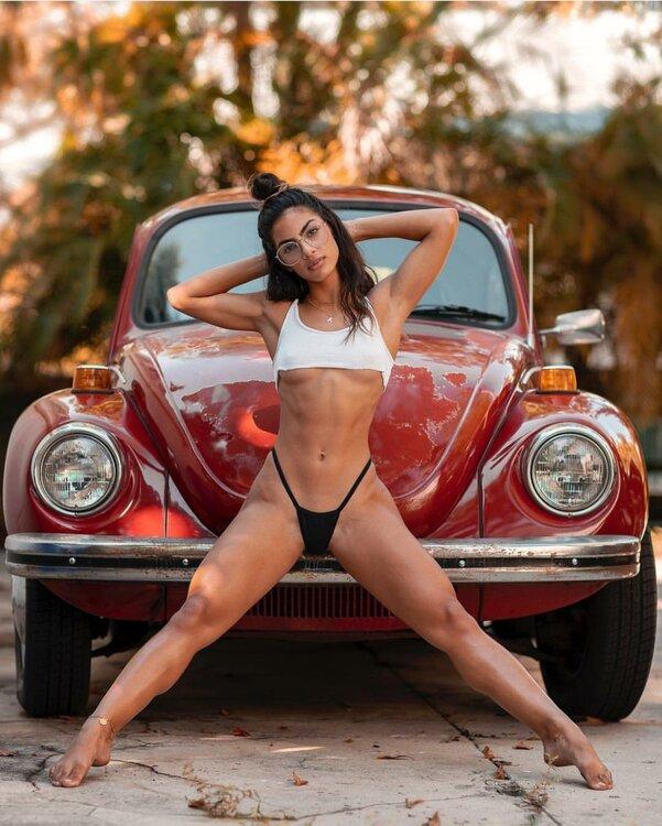Les Jolies Femmes et l'Automobile XV - Page 5 -scree13