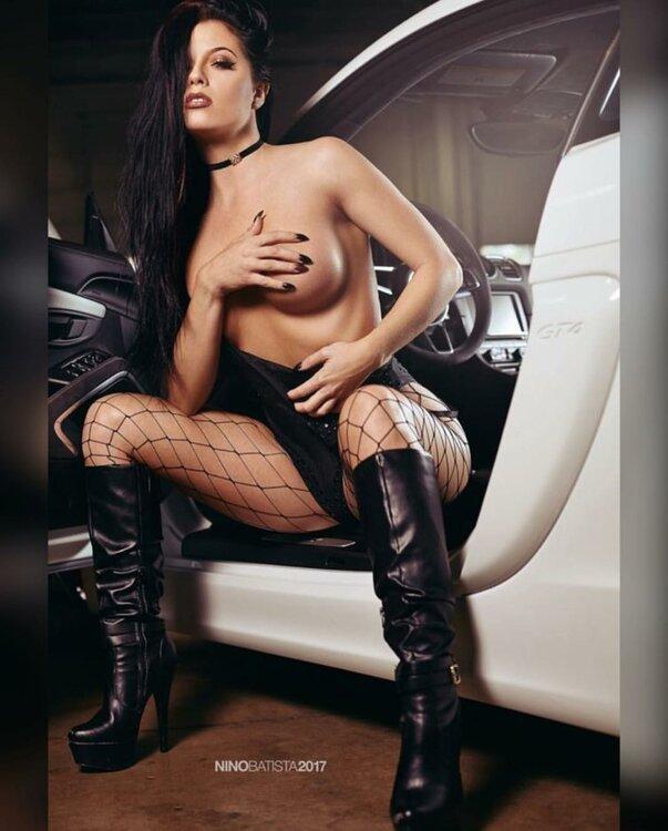 Les Jolies Femmes et l'Automobile XV - Page 6 -scree14