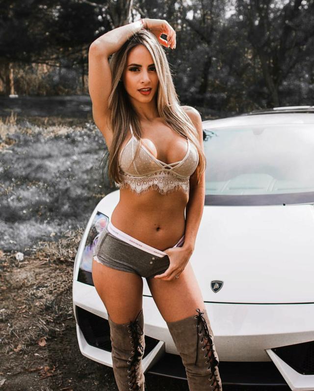 Les Jolies Femmes et l'Automobile XV - Page 8 -sfzo10