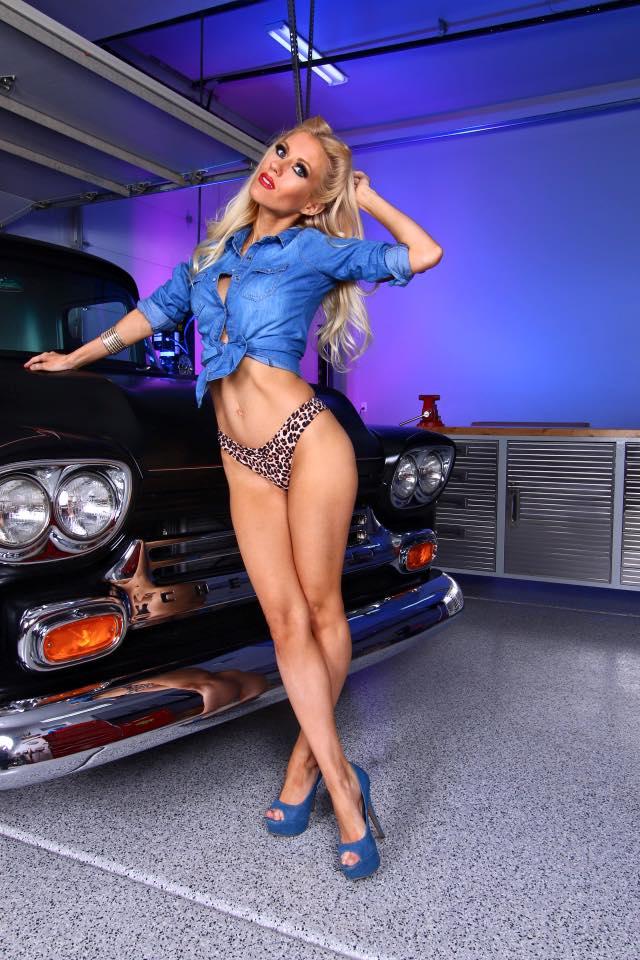 Les Jolies Femmes et l'Automobile XV - Page 7 -tumbl26