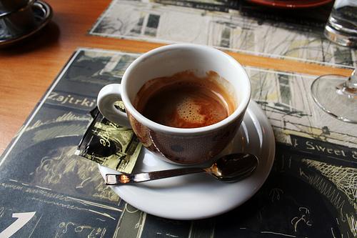 un p'tit café .. 41515510