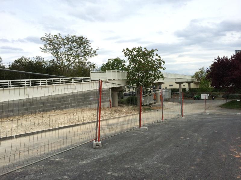 Nouvelle passerelle d'accès Parc - Hôtel du Futuroscope - Page 3 Img_4511