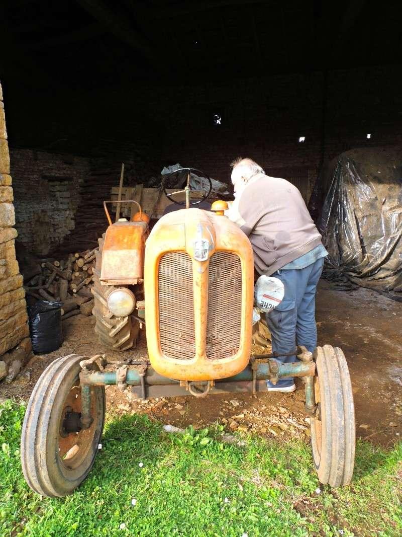 Photographiez des tracteurs ! - Page 2 P2260110
